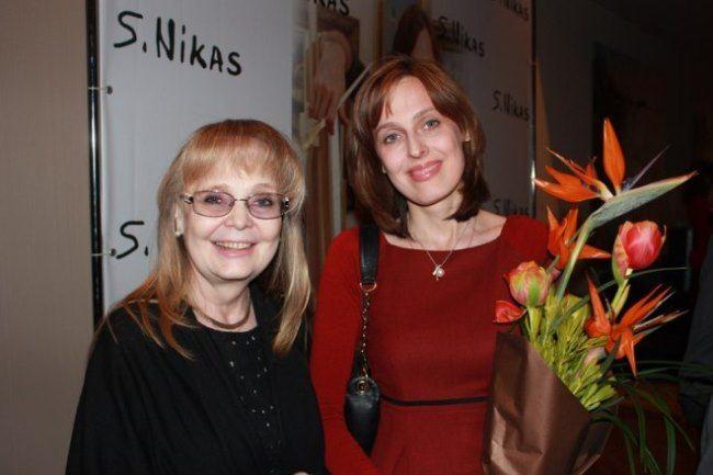 Actress Natalia Belohvostikova with her daughter