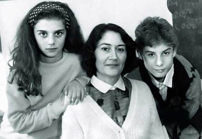 Anya Sedokova with her mother and brother