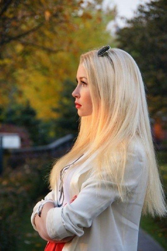 Attractive Anya Stryukova Zavorotnyuk