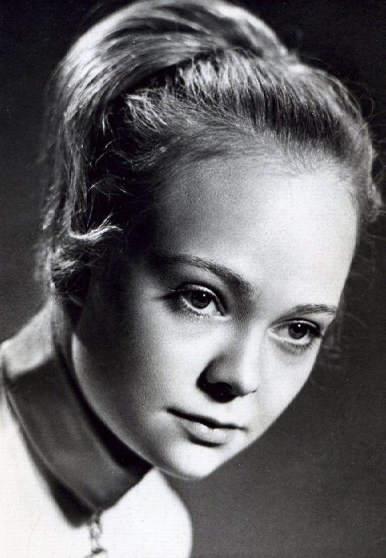 Attractive actress Natalia Belokhvostikova