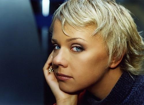 Elena Perova russian singer
