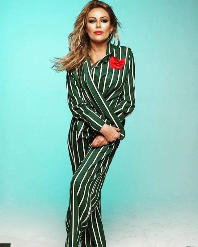 Pretty singer and actress Yulia Nachalova