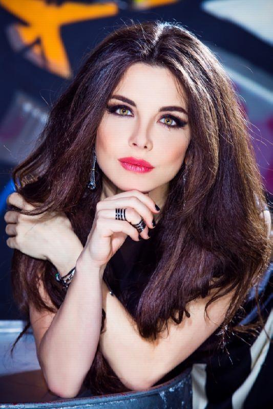 Stunning singer Pletneva Anna