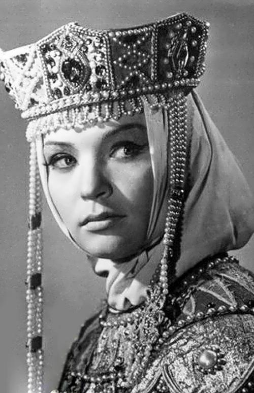 S. Svetlichnaya Soviet actress