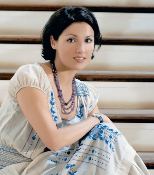 Charming Anna