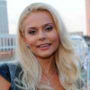 Bright singer Ksenia Novikova