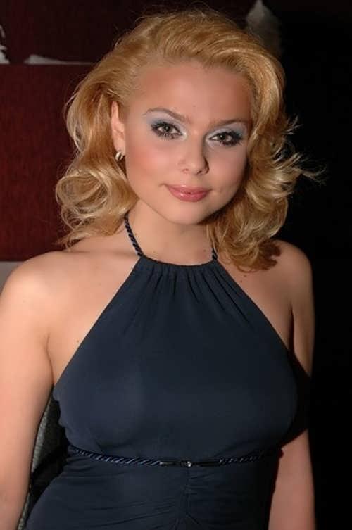 Novikova Ksenia singer