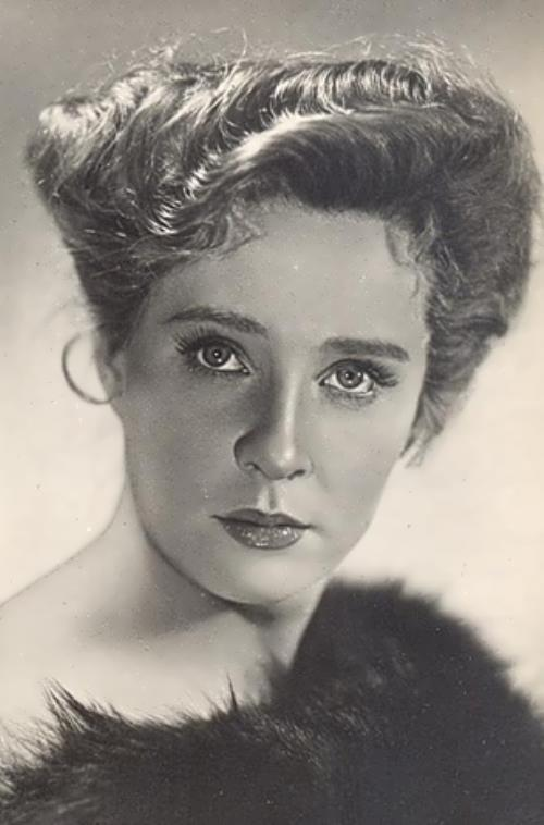 Rufina Nifontova, actress
