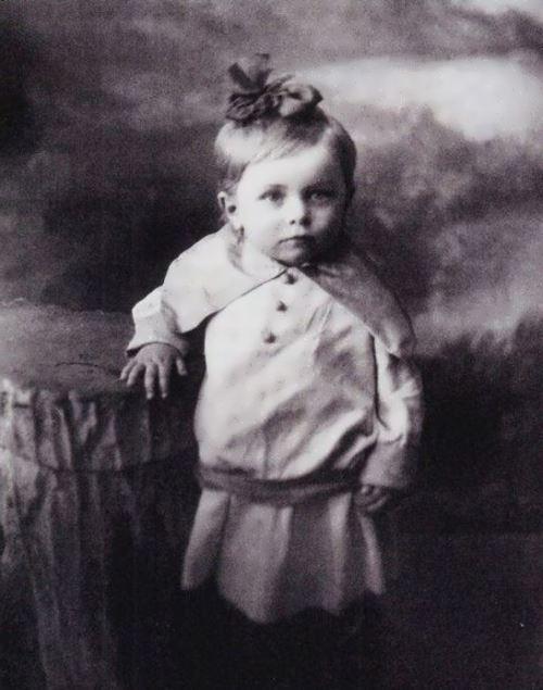 tselikovskaya childhood