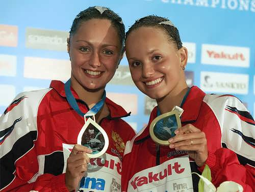 Davydova and Ermakova swimmers