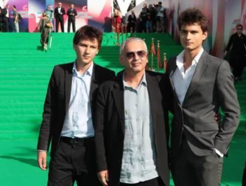 Shakhnazarov sons