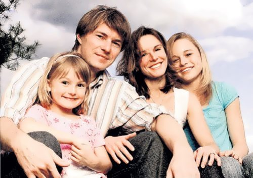 Yekaterina Gordeeva and her family