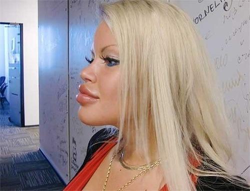 Olesya Malibu – Russian Pamela Anderson