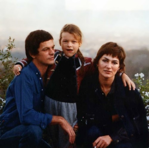 Photo of Milla Jovovich & her Father  Borgi Jovovich