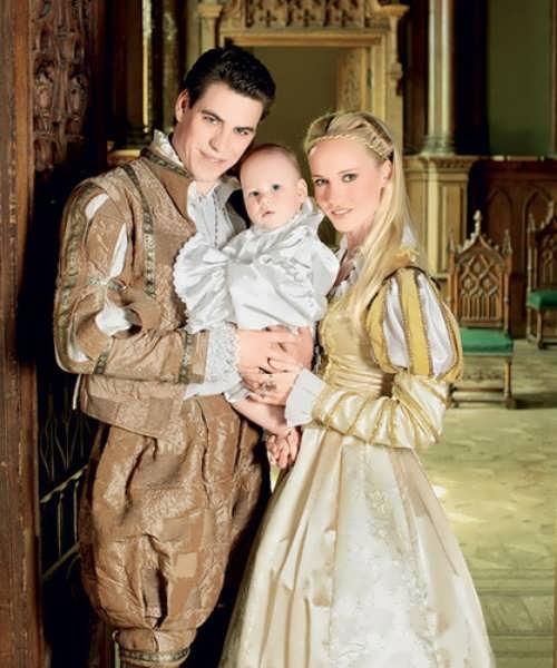 Dyuzhev family