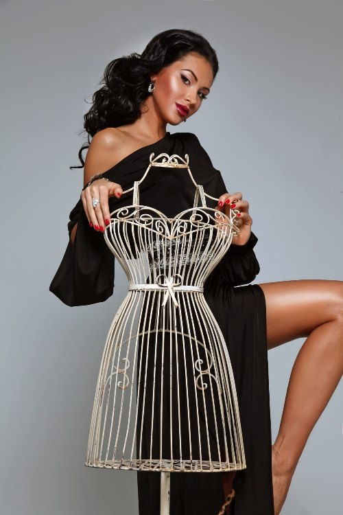 Olesya Malinskaya beautiful designer