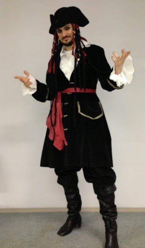Vladimir Trezubov as Captain Jack Sparrow