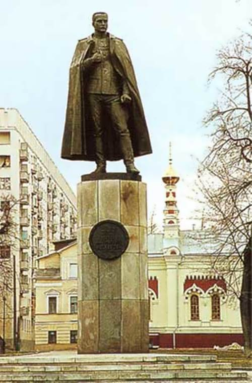 Monument to P. Nesterov in Nizhny Novgorod