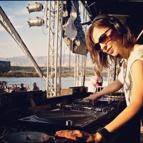 Nina Kraviz beautiful DJ