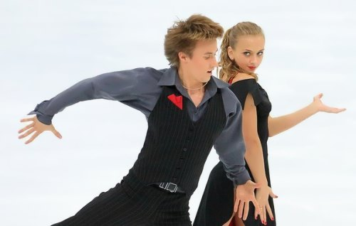 Sinitsina and Zhiganshin ice dancers