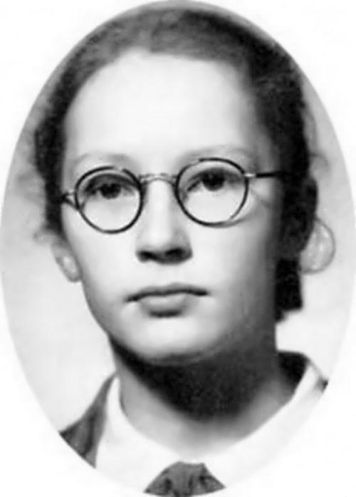 pugacheva childhood