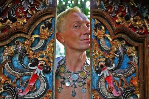 Master of Disguise – Vladislav Mamyshev