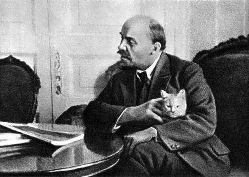 Lenin and the cat
