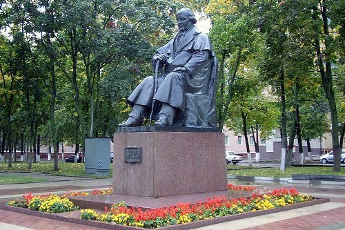 Belgorod. Monument to actor Shchepkin