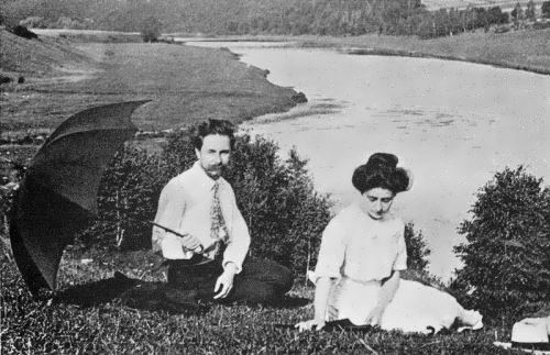Scriabin and Tatiana Schloezer on the banks of the Oka River