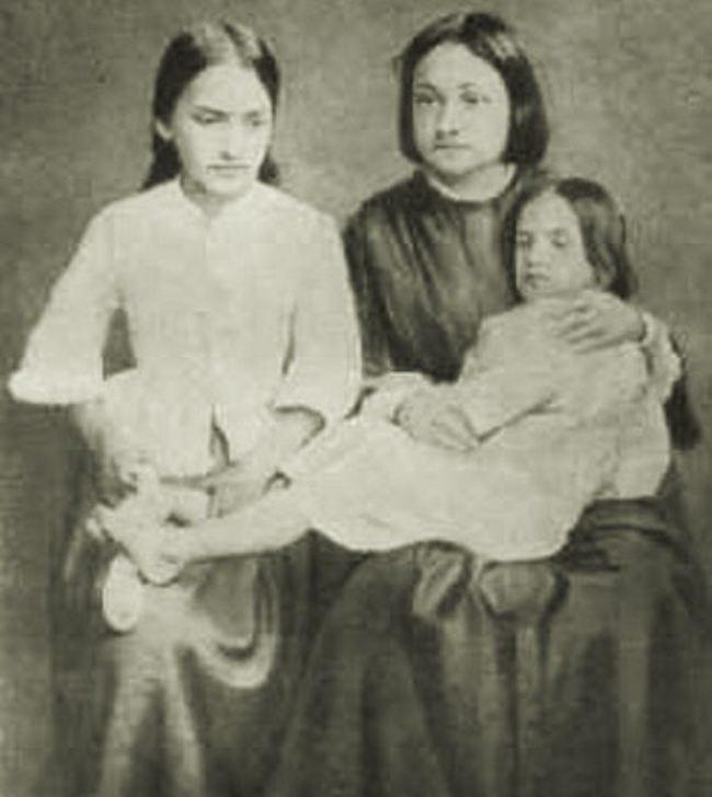 Natalia Ogareva-Tuchkova with Herzen's children - Natalia and Olga