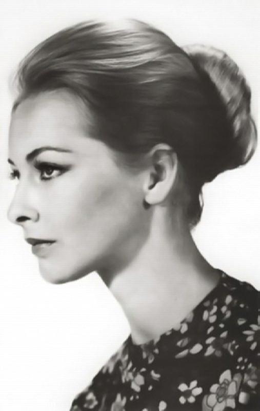 Stunning Barbara Brylska