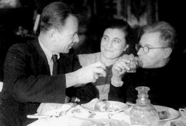 Mikhail Bulgakov and playwright Sergei Ermolinsky with his wife