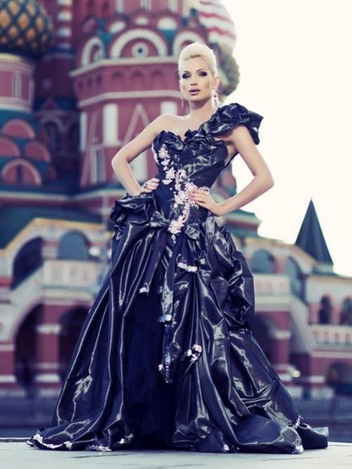 Alisa Krylova - Mrs. Globe 2011