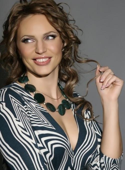 dovlatova most beautiful DJ