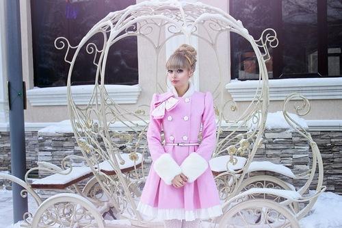 Fashionable Anzhelika Kenova