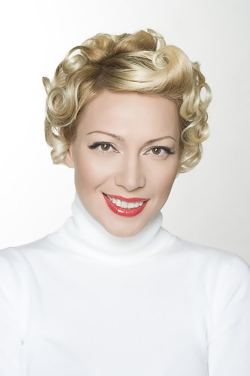 aurora russian TV presenter