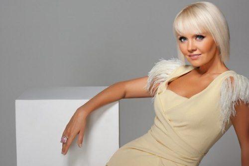 Bright singer Valeria
