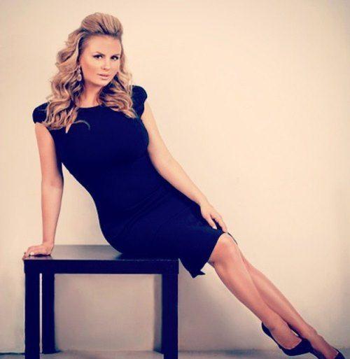 Glamorous Anna Semenovich