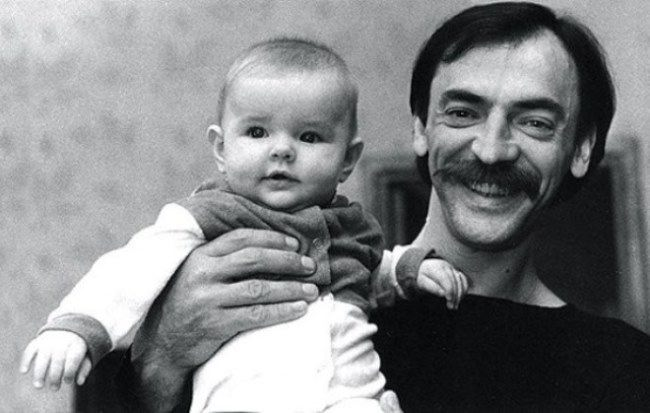 Mikhail Boyarsky and his little daughter