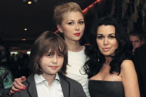 Nastya Zavorotnyuk and her children