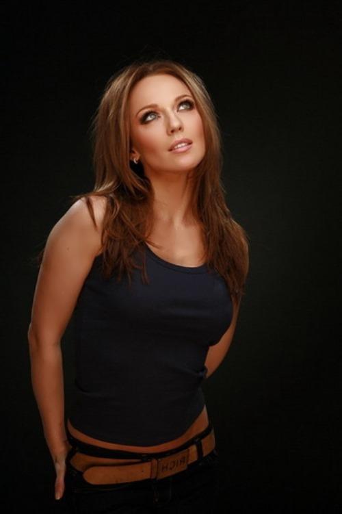 Dzhanabaeva beautiful singer
