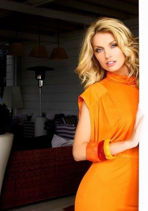 Sasha Savelieva beautiful singer