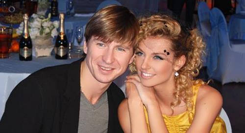 Alexei Yagudin and Sasha Savelieva