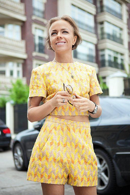 Attractive singer Elena Perova