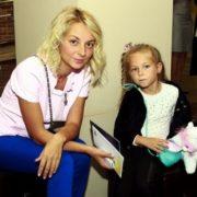 Daria Sagalova and her daughter