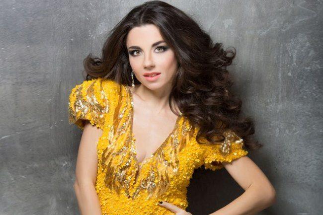 Graceful singer Pletneva Anna
