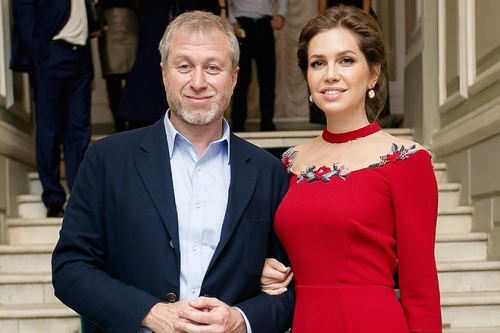 Known Roman Abramovich and Daria Zhukova
