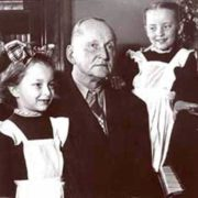 Little Anastasia Vertinskaya with her father and sister