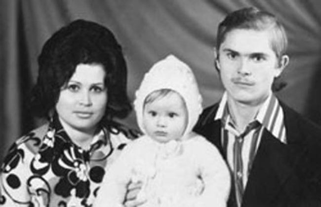Little Dana Borisova and her parents