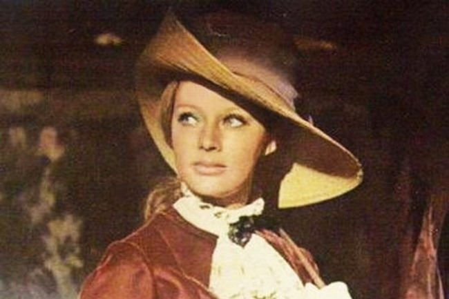 Lyudmila Savelieva in the film Horseman without a head